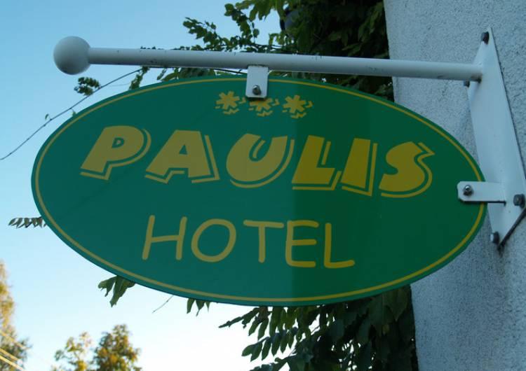 paulis logo