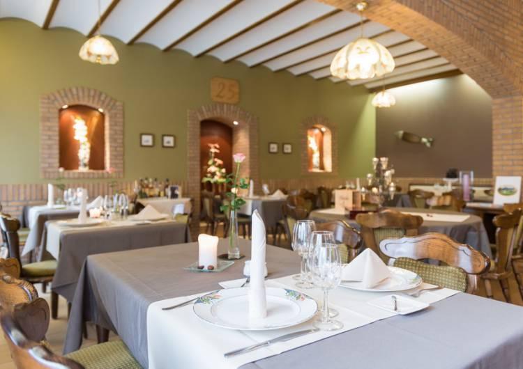 hotel dreilaenderblick 08 c d ketz eastbelgium.com