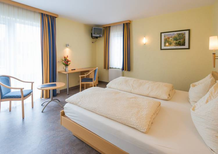 hotel burghof burg reuland 07 c d.ketz eastbelgium.com