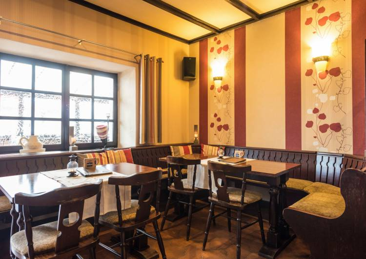 hotel burghof burg reuland 20 c d.ketz eastbelgium.com