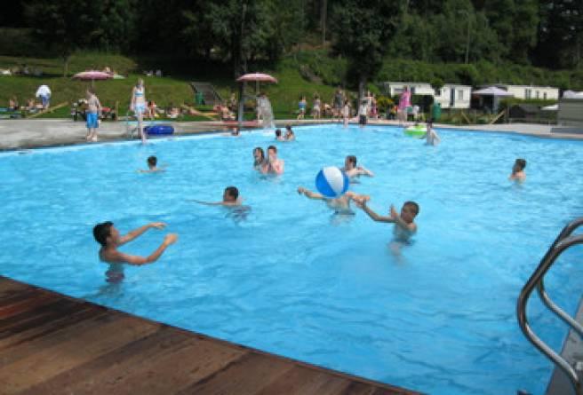 Piscine ext rieure wiesenbach belgique cantons de l est for Camping belgique avec piscine