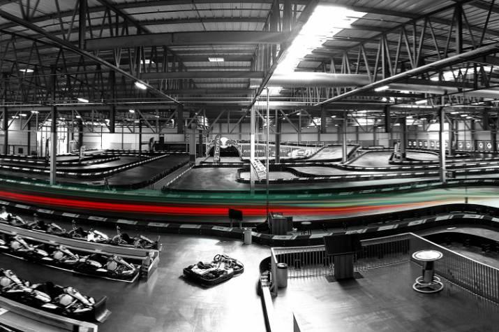panorama circuit black white stripes