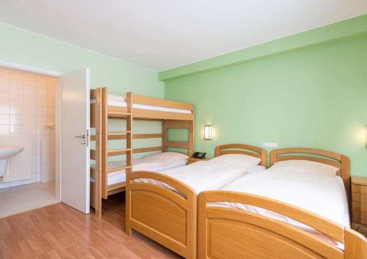 hotel zum burghof 22 c d ketz eastbelgium.com