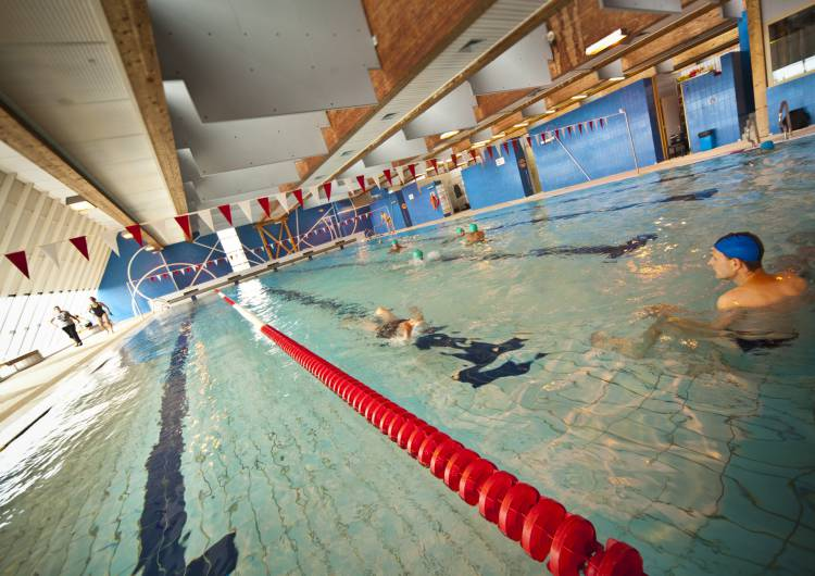 schwimmbad lange